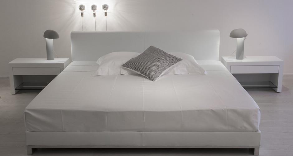 lit ligne roset cineline d coration design et contemporaine. Black Bedroom Furniture Sets. Home Design Ideas